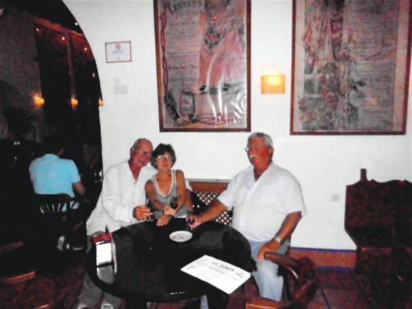 """Sabine, Peter und ich im """"El Pimpis"""""""